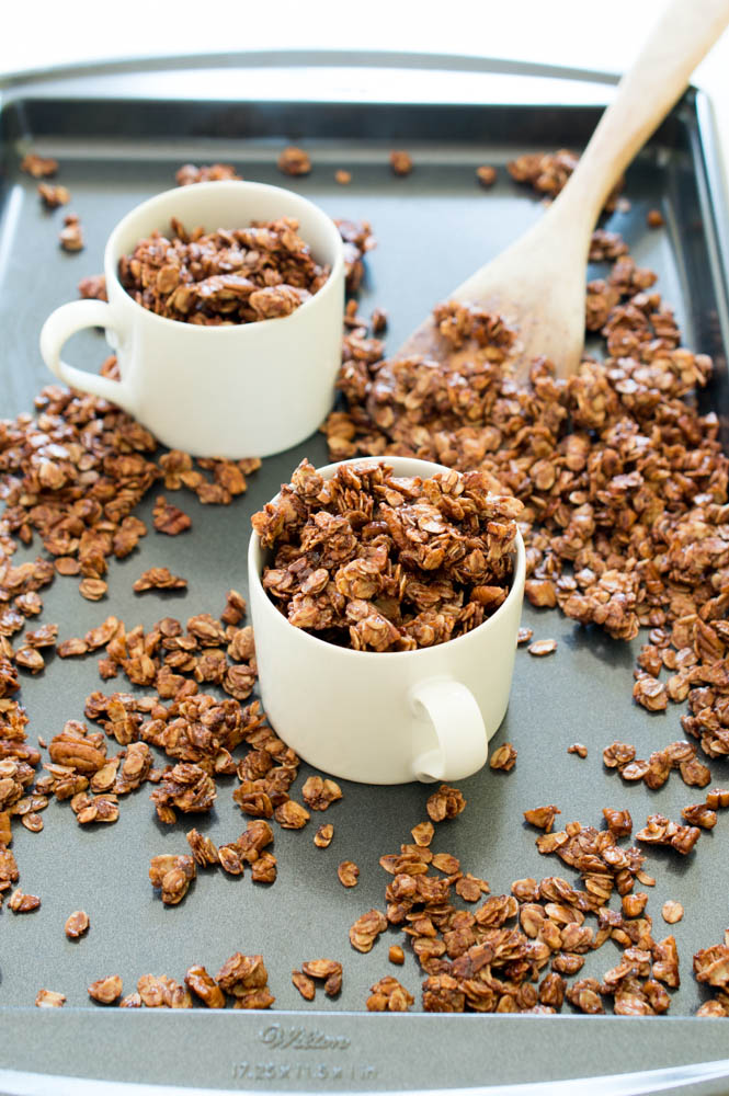10 Minute Nutella Skillet Granola | chefsavvy.com #recipe #breakfast #granola #chocolate #nutella