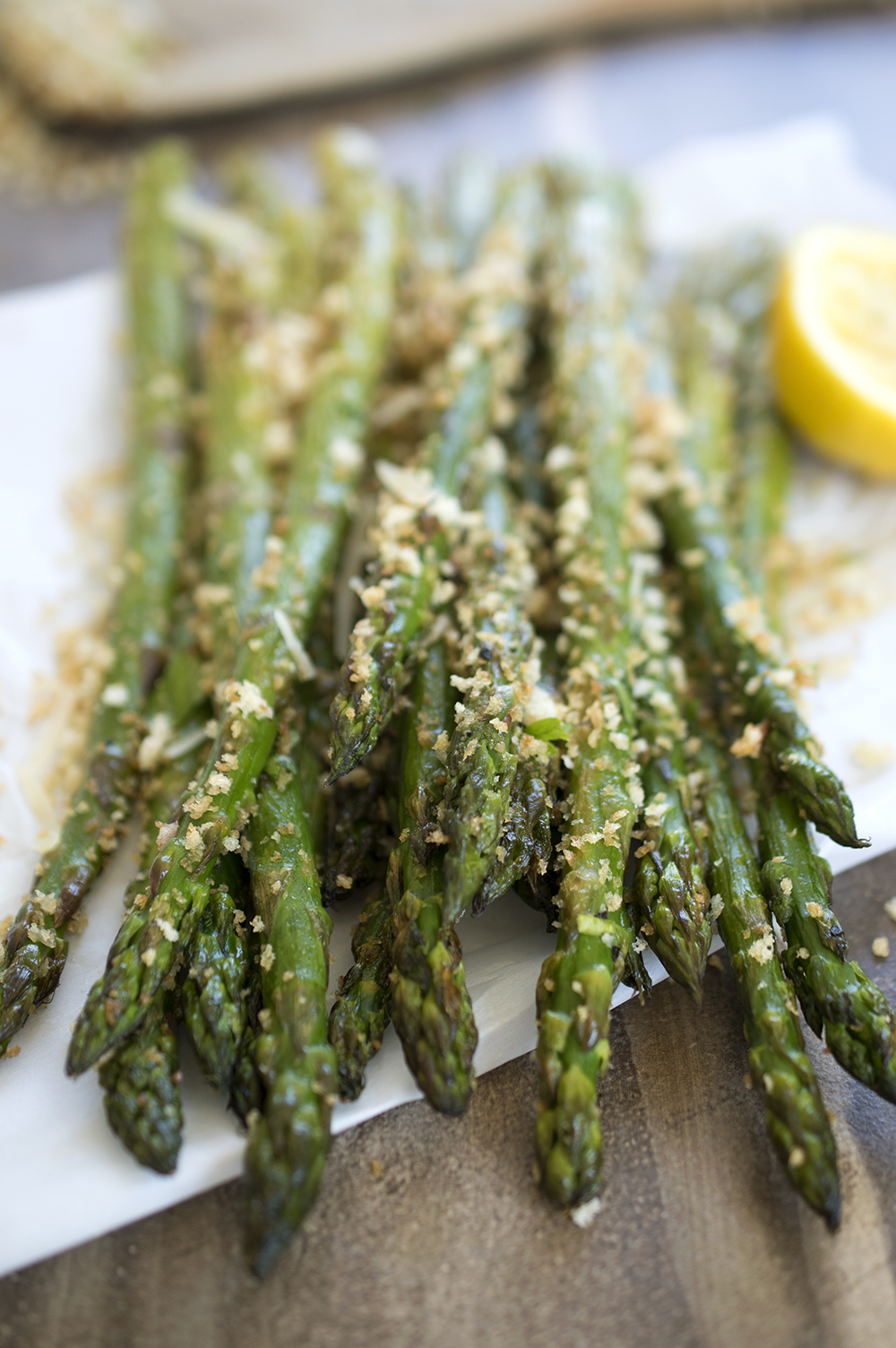 Roasted asparagus with garlic breadcrumbs roasted asparagus with breadcrumbs ccuart Gallery