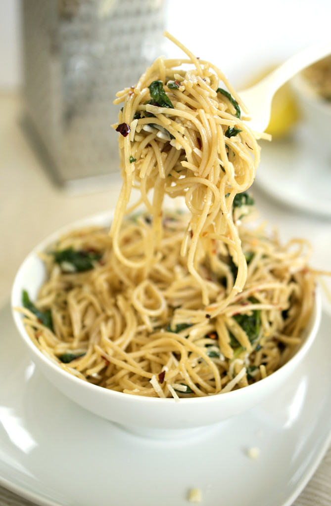 spaghetti with garlic and oil