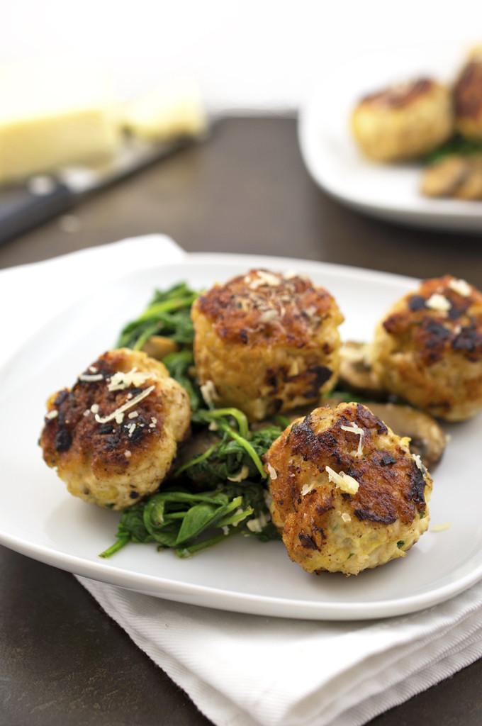 Turkey Meatballs With Arugula and Mushrooms