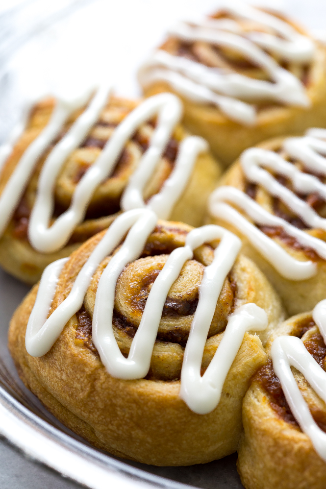 5-Ingredient pumpkin cinnamon rolls