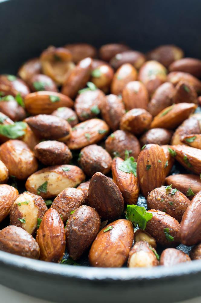 5 Minute Spicy Chili Almonds | #recipe #snack #healthy #almonds