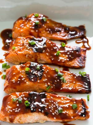 Honey garlic salmon chef savvy honey sriracha salmon ccuart Gallery