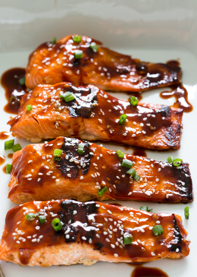 Easy Honey Sriracha Glazed Salmon | chefsavvy.com