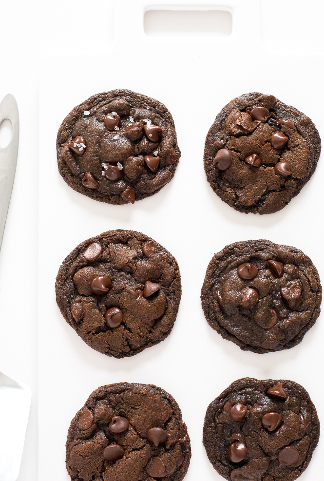 Chocolate Coconut Oil Cookies | chefsavvy.com
