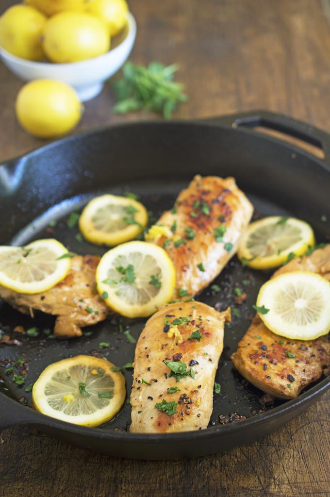 30 Minute Lemon Chicken | chefsavvy.com #recipe #chicken #lemon #dinner