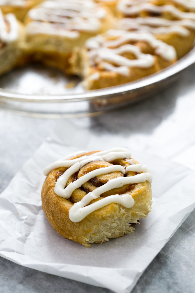 Easy 5 Ingredient pumpkin cinnamon rolls