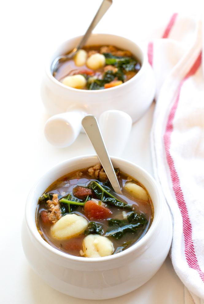 Easy-Kale-Italian-gnocchi-soup