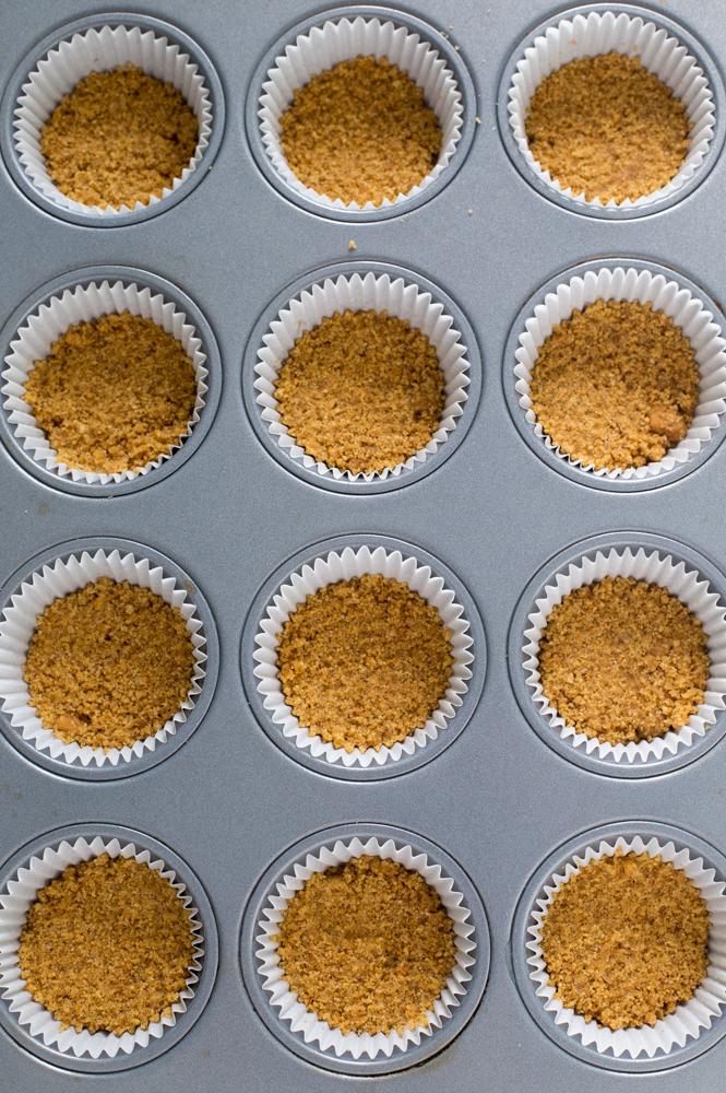 Easy Mini Cheesecake Cupcakes