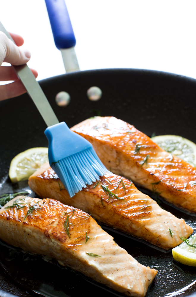 Easy Salmon with Lemon Dill Butter | chefsavvy.com