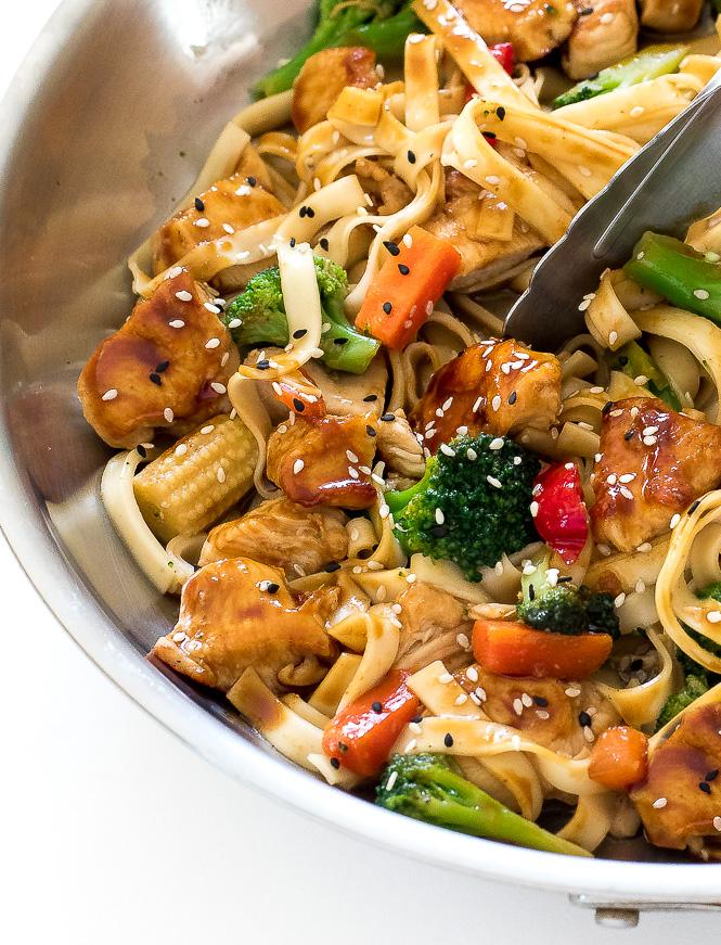 Chicken Lo Mein | chefsavvy.com