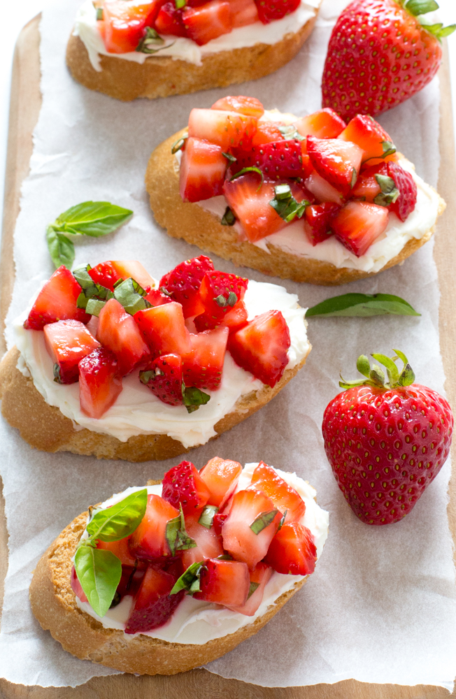 Super Easy Strawberry Basil Bruschetta