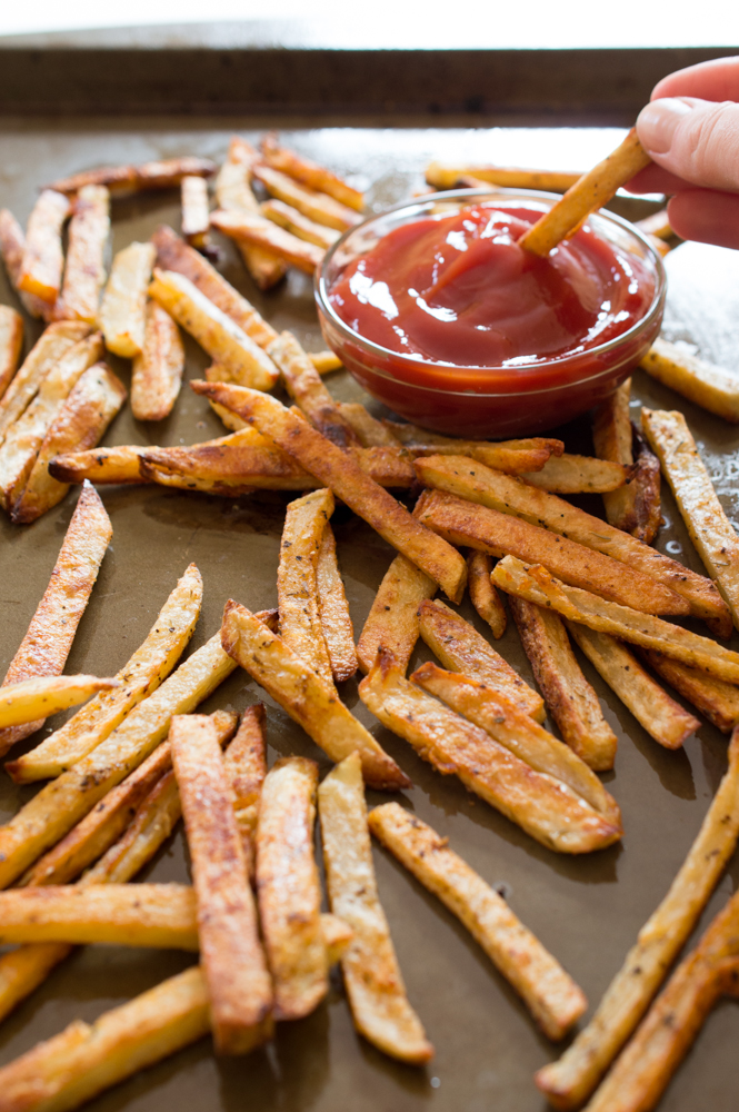 Crispy Baked French Fries | chefsavvy.com #recipe #fries #baked #crispy