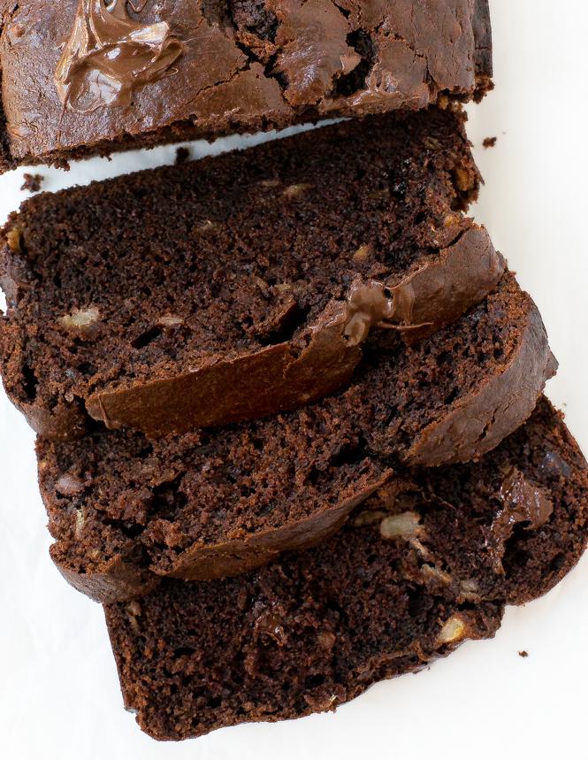 Chocolate Chunk Banana Bread | chefsavvy.com