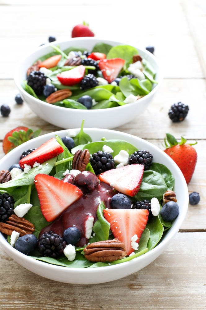 Berry Spinach Salad with Berry Balsamic Vinaigrette | chefsavvy.com #recipe #berry #spinach #salad