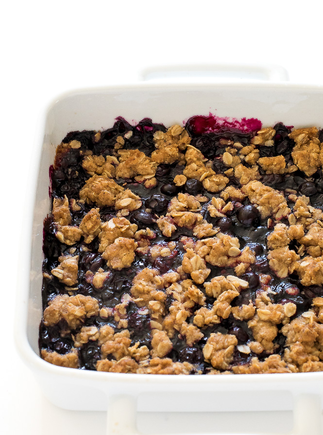 Easy Blueberry Crumb Bars | chefsavvy.com