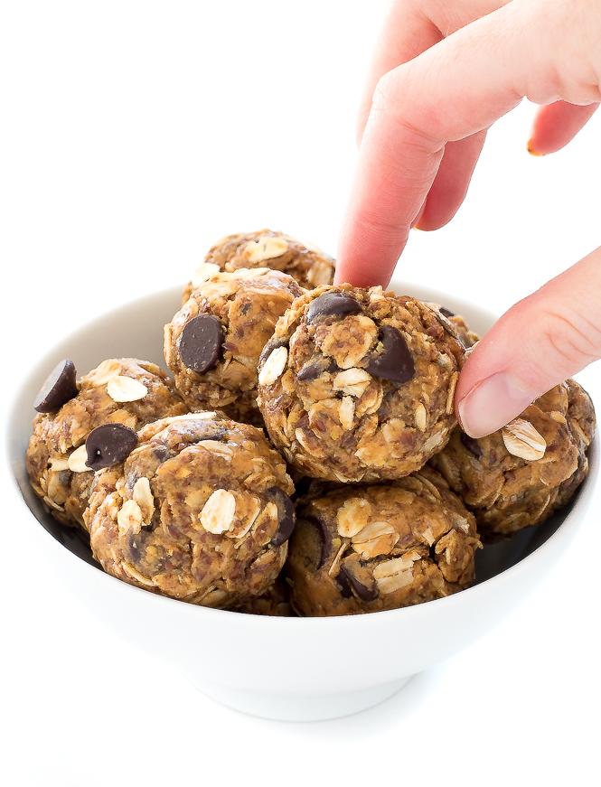 Peanut Butter Energy Balls | chefsavvy.com