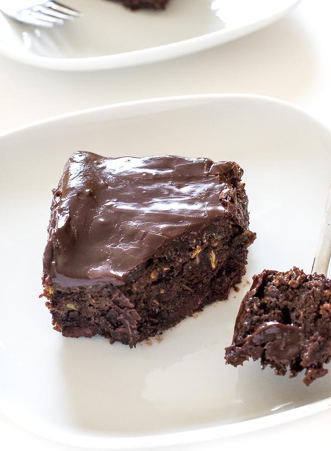 Chocolate Zucchini Brownies | chefsavvy.com