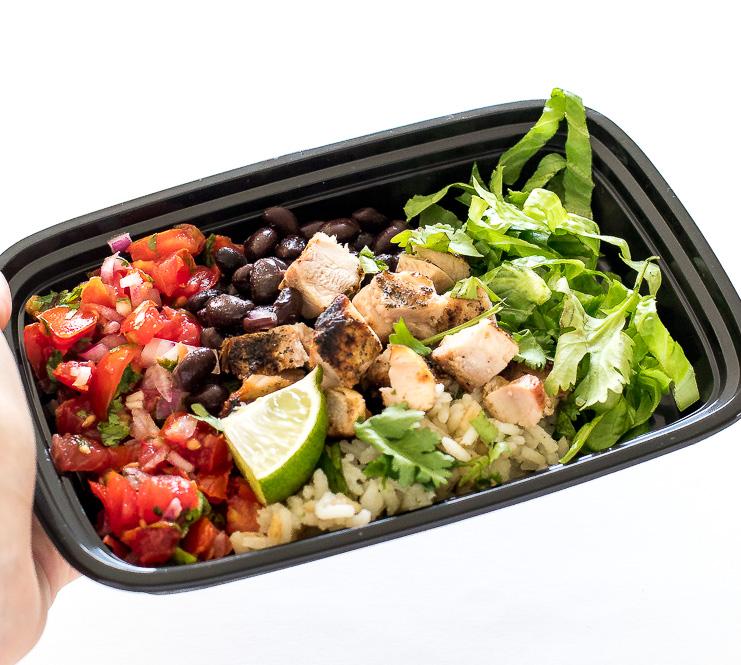 Easy Chicken Burrito Bowls | chefsavvy.com