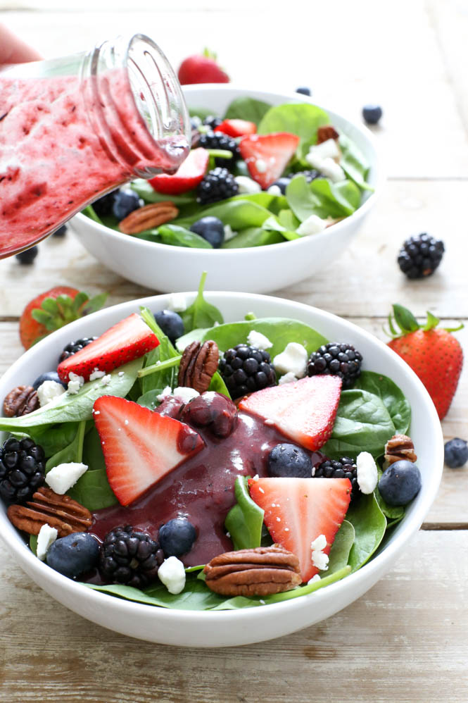 Berry Spinach Salad with Berry Balsamic Vinaigrette | chefsavvy.com