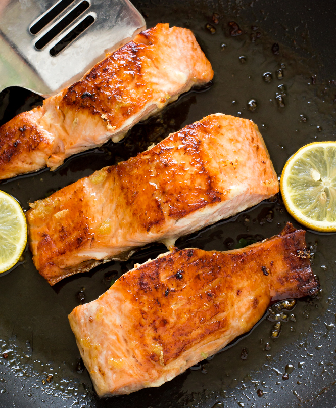 easy-honey-glazed-garlic-salmon