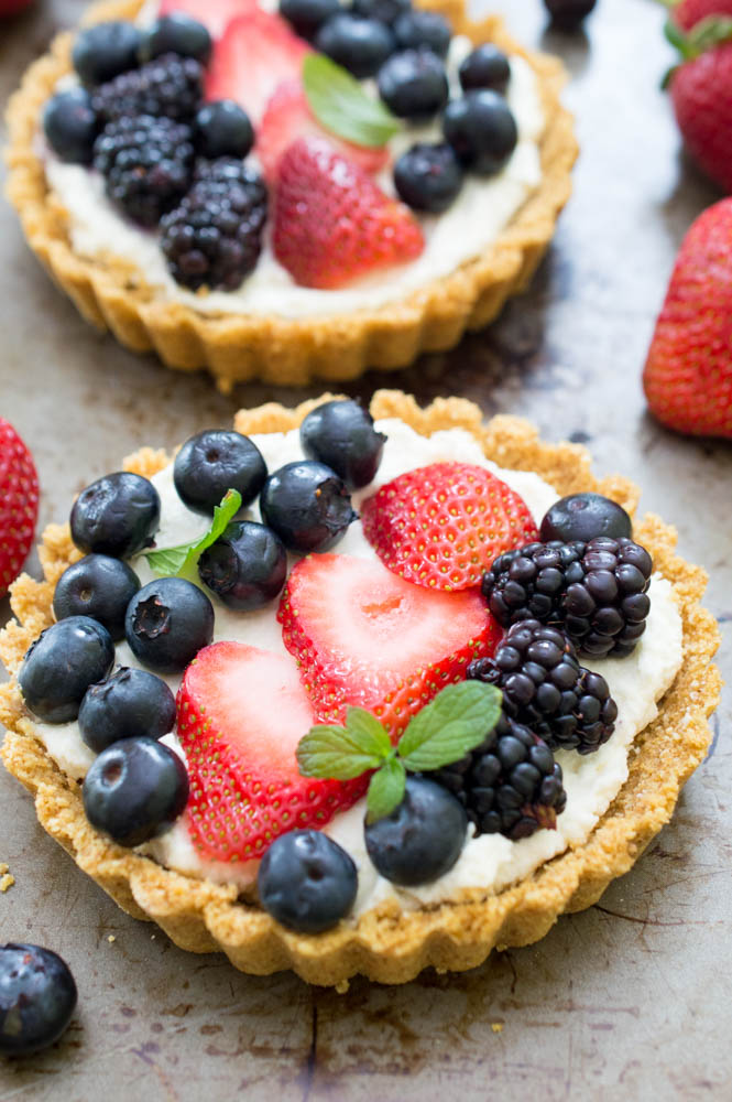 No Bake Mascarpone Fruit Tarts | chefsavvy.com #recipe #tarts #fruit #nobake