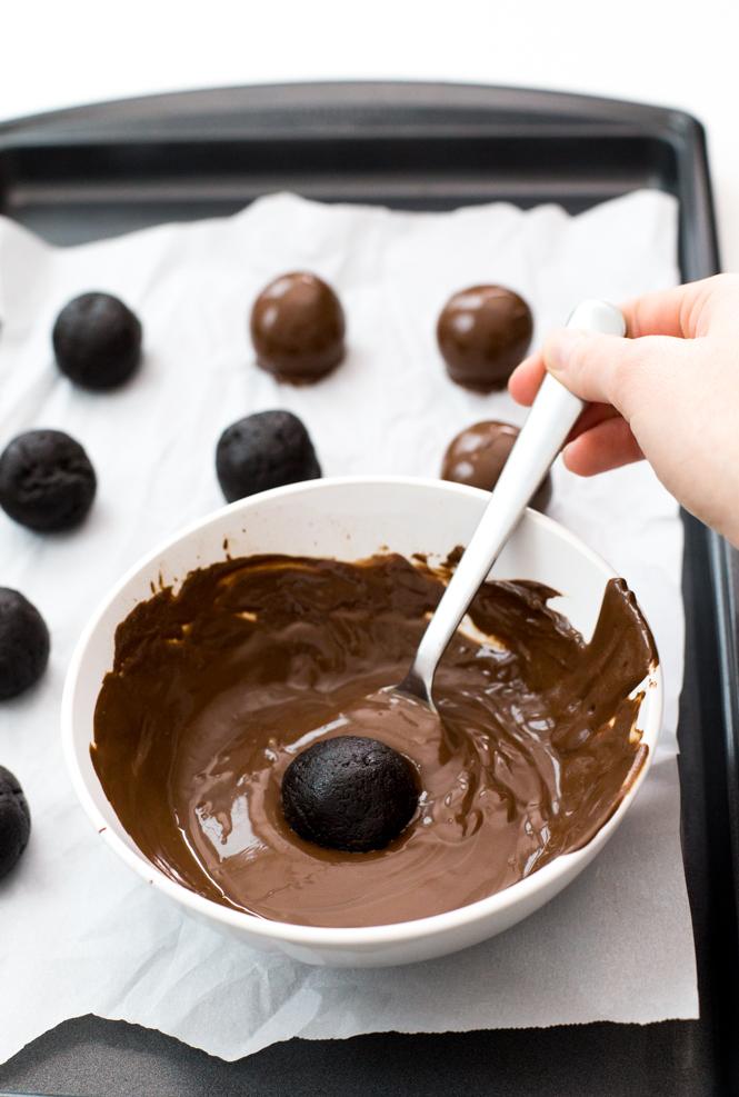 easy-oreo-truffles