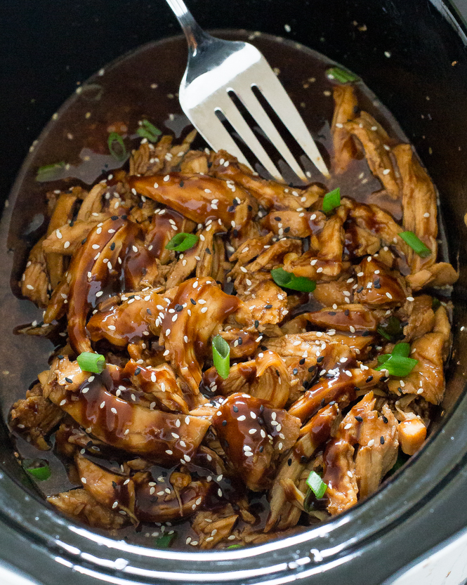 Crockpot Shredded Asian Garlic Chicken | chefsavvy.com
