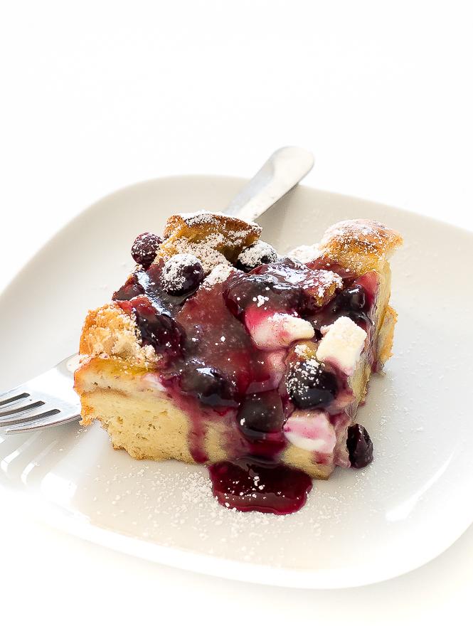 Overnight French Toast Bake | chefsavvy.com