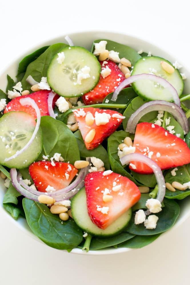Strawberry Spinach Salad with Creamy Poppyseed Dressing | chefsavvy.com #recipe #healthy #salad #poppyseed #yogurt #dressing