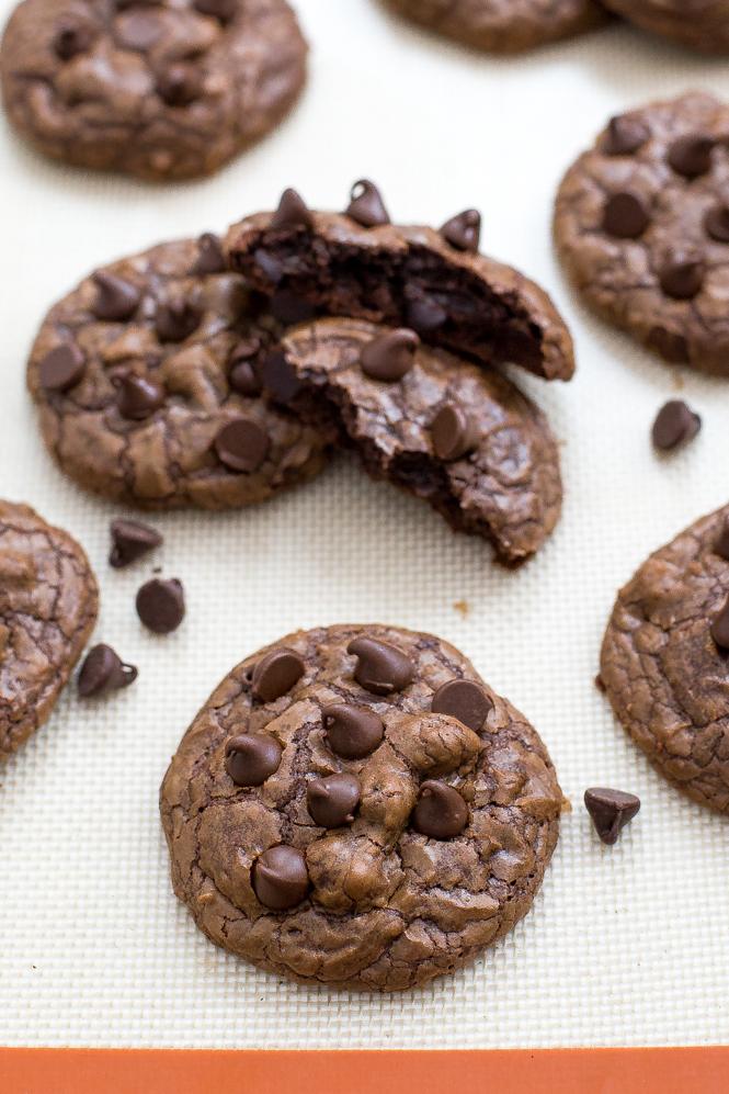 fudgey-brownie-cookies