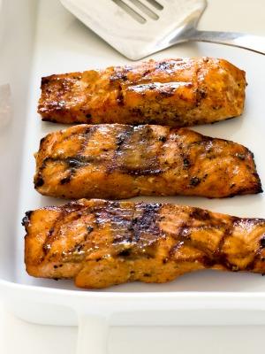 How To Make Maple Dijon Salmon | chefsavvy.com