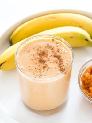 How To Make a Pumpkin Banana Smoothie (recipe) | chefsavvy.com