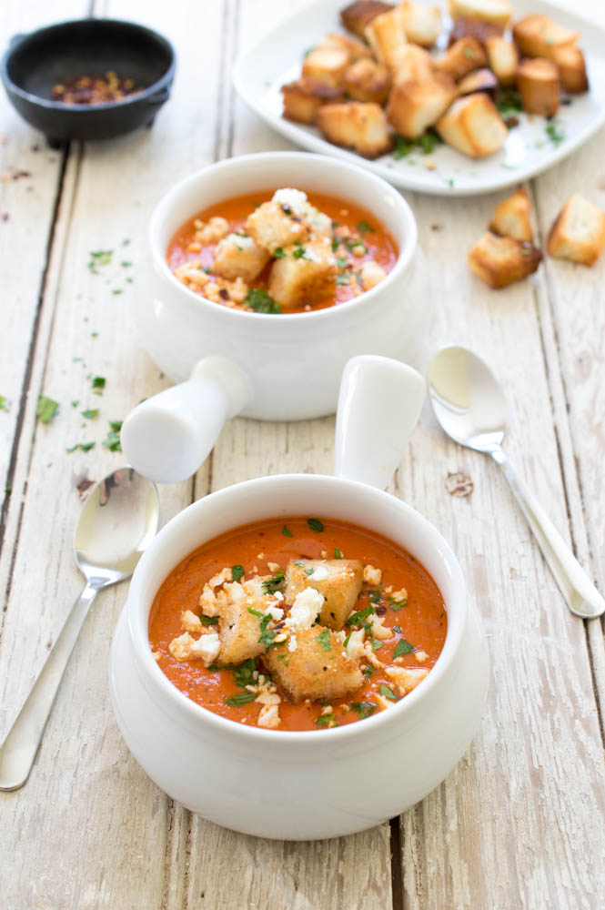 Super Rich and Creamy Roasted Red Pepper and Tomato Soup. An easy ...