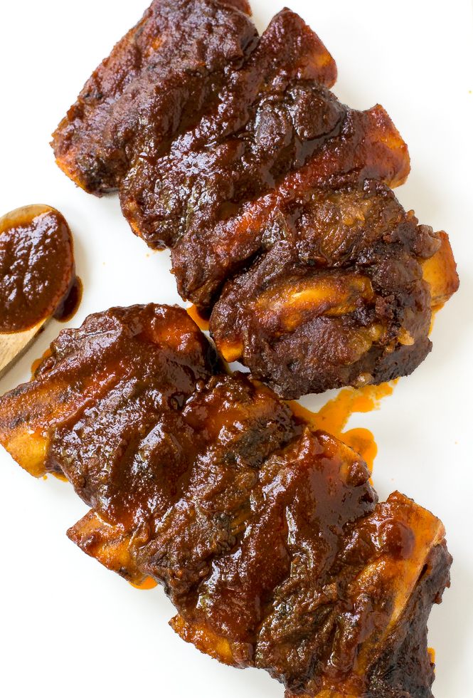 Slow Cooker Barbecue Ribs | chefsavvy.com