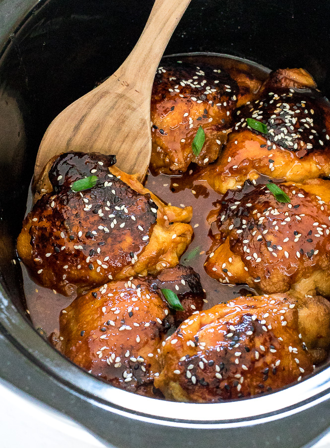 Crockpot Honey Sriracha Chicken | chefsavvy.com