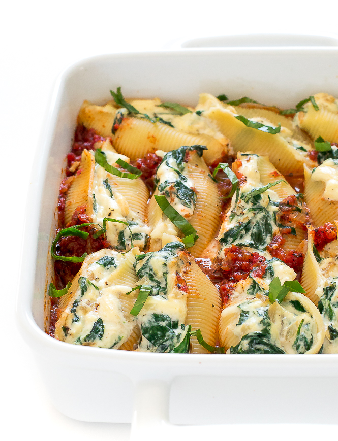 Spinach and Ricotta Stuffed Shells | chefsavvy.com