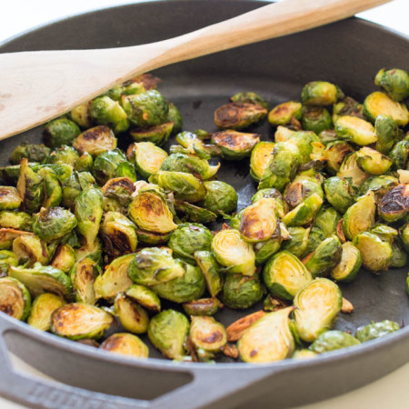 super-easy-spicy-roasted-garlic-brussels-sprouts
