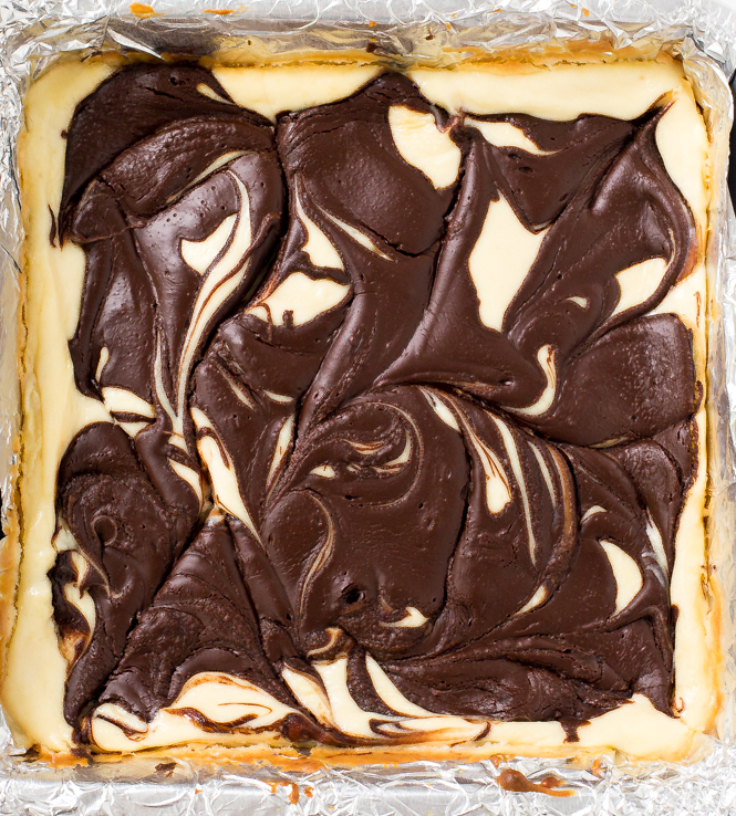 swirled-cheesecake-bars