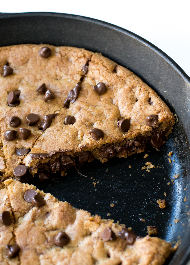the-best-brown-butter-chocolate-chip-cookie-skillet
