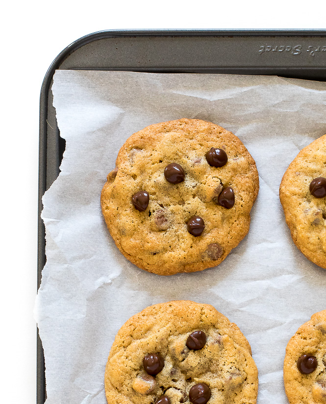 The BEST Chocolate Chip Cookies | chefsavvy.com