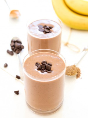 How To Make a Chocolate Peanut Butter Protein Smoothie Recipe